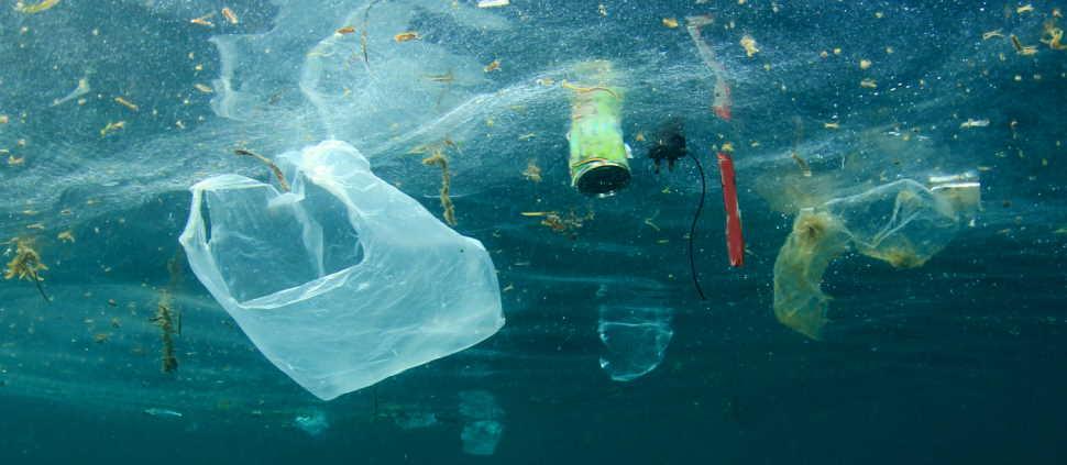 plastic deposition in the ocean
